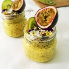 Looking for a quick healthy breakfast recipe to beat sugar cravings? Try this Vegan Mango Coconut Chia Pudding - all you need is 4 ingredients! Quick Healthy Breakfast, Healthy Breakfast Recipes, Vegetarian Recipes, Healthy Recipes, Chia Overnight Oats, Coconut Chia Pudding, Mango, Morning Food, Low Carb Diet