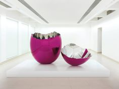 Cracked Egg (Magenta) by Jeff Kons (b.1955). Mirror-polished stainless steel with transparent colour coating.  One of five unique versions created between 1994 and 2006 | Christie's