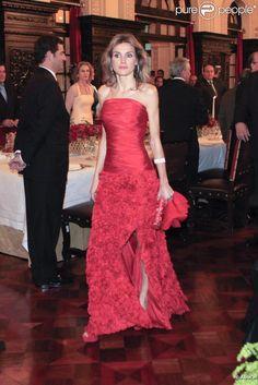 Home - Milleunadonna Princess Diana Wedding, Royal Families Of Europe, Spanish Royalty, Royal Dresses, Queen Letizia, Royal Fashion, Evening Dresses, Casual, Glamour