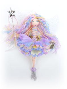 A beautiful handmade fairy doll by Lula Tuesdays Fairy Crafts, Doll Crafts, Diy Doll, Clothespin Dolls, Christmas Fairy, Doll Tutorial, Flower Fairies, Fairy Dolls, Felt Dolls