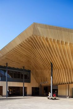 Timber Architecture, Contemporary Architecture, Architecture Details, Facade Design, House Design, Cades, Building Section, Patio Canopy, Store Interiors