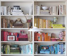 color coded bookshelves by laura cattano. Decorating Bookshelves, Bookshelves Built In, Bookcases, French Dining Tables, Bookshelf Organization, The Home Edit, Bookshelf Styling, Selling Furniture, House Ideas