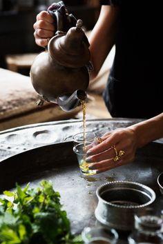 Moroccan Tea Ceremony | Eye Swoon Tea Japan, Kitchen Queen, Mint Tea, Tea Art, Tea Ceremony, Detox Tea, Tea Time, Herbalism, Clean Eating