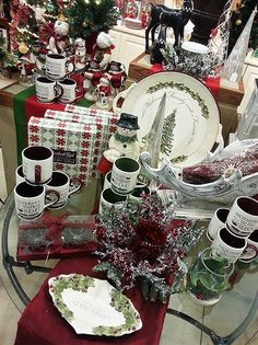 Stunning Christmas table decor and glassware from Grassland Roads at Treetime's Christmas Showroom.