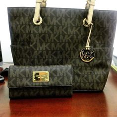 Michael Kors Handbag Offers High Quality And Fast Delivery For You!