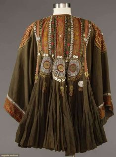"""WOMAN'S JUMLO TOP, PAKISTAN 