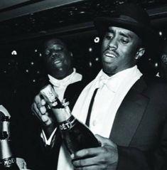 """How Ya Livin' Biggie Smalls?"" Photo essay on Notorious BIG. Bad Boy Records, Love Rap, Best Hip Hop, Love And Hip, Biggie Smalls, Hip Hop Albums, Rap God, R&b Soul, Hip Hop Art"