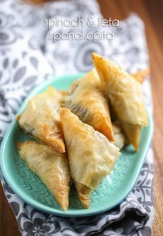 Spinach and Feta Spanakopita Triangles: My Big Fat Greek Wedding 2 Family Dinner - Our Best Bites Appetizer Recipes, Snack Recipes, Cooking Recipes, Appetizer Ideas, Spinach Appetizers, Greek Appetizers, Dinner Recipes, Healthy Recipes, Savory Snacks