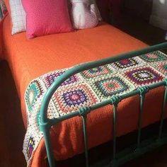 Crochet braids large. La imagen mostrada tiene relación con el termino de búsqueda: Crochet braids large Manta Crochet, Diy Crochet, Make Money From Home, Blanket, Bed, Crocheting, Furniture, Home Decor, Bed Frame Feet