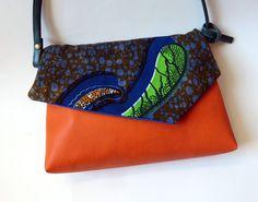 Sac à main bandoulière simili cuir et tissu wax africain bleu orange : Sacs bandoulière par la-fabrik-d-ayuji