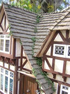 Dollhouses by Robin Carey: The Tudor Cottage Tudor Cottage, Tudor House, White Cottage, Fairy Houses, Play Houses, Perry Homes, Farm Village, English Country Cottages, Miniature Houses