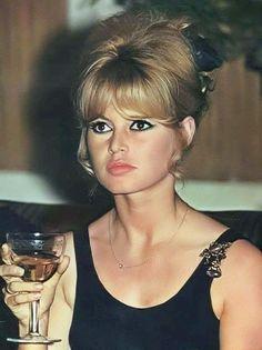 Bardot, Deneuve and Bridgitte Bardot, Bardot Hair, Glamour, French Actress, New Hair, Ideias Fashion, Hair Goals, Hair Makeup, Actresses