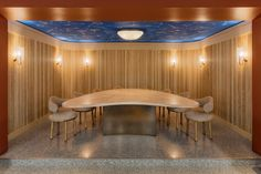 The sumptuous makeover marks the tenth anniversary of Hélène Darroze at the Connaught, the Michelin-starred restaurant in London's Mayfair. Damien Hirst, Banquettes, Oak Dining Table, Dining Chairs, Chef's Table, Dining Rooms, Pierre Yovanovitch, Terrazo, Paris Design