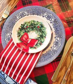 Blue Christmas Decor, Tartan Christmas, Southern Christmas, Classy Christmas, Cottage Christmas, Christmas Brunch, Christmas Colors, Christmas Holidays, Christmas Decorations