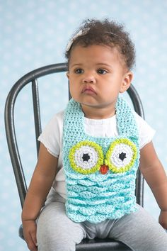 Baby Owl Bib - Bibs and babies go hand-in-hand, and this cute owl-themed bib is in a class of its own. Worked up in an adorable owl pattern, this little owl bib is the perfect mealtime companion for every baby. From the October 2015 issue of I Like Crochet