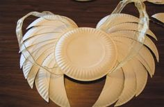 34 Amazing Paper Plate Crafts for Kids! DIY- 35 Amazing Paper Plate Crafts for Kids: Angel wings, purse, crown/tiara, guitar, animal masks. Kids Crafts, Paper Plate Crafts For Kids, Crafts To Do, Projects For Kids, Diy For Kids, Paper Crafts, Diy Paper, Bible Crafts, Christmas Program