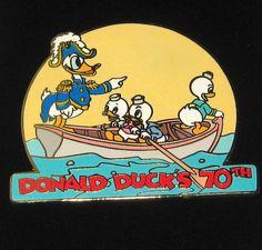 LE Disney Pin✿Donald Duck Dressed as George Washington Crossing Delaware Nephews