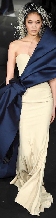 Alexis Mabille Parigi - Haute Couture Spring Summer 2015 - Shows - Vogue. Haute Couture Paris, Style Haute Couture, Spring Couture, Couture Week, Fashion Week, Runway Fashion, Spring Fashion, High Fashion, Fashion Show