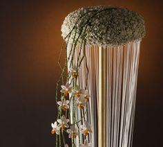 Floral recipe: Flower Pie Winter Bridal Bouquets, Different Kinds Of Fruits, Low Coffee Table, Natural Materials, Simple Designs, Flower Arrangements, Floral Design, Bride, Flowers
