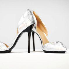 #LAMBfashion / #LAMBlovers / metallic / Silver / heels