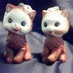 """Vintage Flowered Brown Kittens Salt & Pepper Set....I have this set, found in antique store in Bisbee, Arizona, they each have a label on the bottom that says,""""Made in Korea""""."""