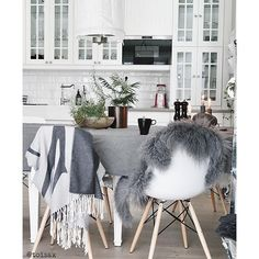 Recommend this page: @toisak _____________________________________ ▫️◽️◻️◻️◽️▫️ Hope you are having a wonderful day! _____________________________________ #stylish #cozyhome #home #homedesign #homeinterior #homesweethome #instalove #redesign #roominterior #instagram #beatifulhome #beautifulhouse #decor #zuhause #inspiration #interior #interiör #interiores #decora #decoracion #interiordesign #interiordecor #style #lovely #homedecor #cozy #classy #dream #amazing