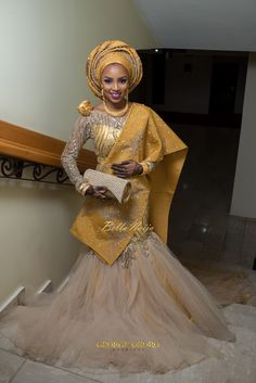 Best Asoebi Styles For Wedding Guest Hello to our our lovely Besties today,we want to share some of an Amazing Asoebi Styles for you to try out. In case you got an invitation to a weddin… African Bridal Dress, African Wedding Attire, Pakistani Wedding Dresses, African Attire, African Wear, African Fashion Dresses, African Dress, Wedding Hijab, Indian Bridal