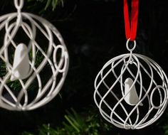 3D printed Christmas tree ornament with birds