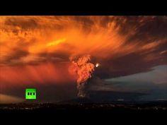 Apocalyptic TIMELAPSE: Ash & lightning - Massive Calbuco volcano eruption in Chile - YouTube