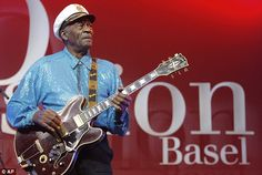 Keith Richards reveals Chuck Berry once 'walloped him in the eye' #dailymail
