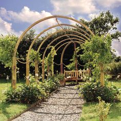 40+ Pergola Designs Meant to Transform Your Backyard Landscaping Into a Green Heaven   [ Read More at www.homesthetics.net/40-pergola-design-ideas-turn-garden-peaceful-refuge/ © Homesthetics - Inspiring ideas for your home.]