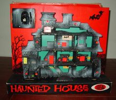Haunted House - by Ideal Toys Oh, what I'd give!