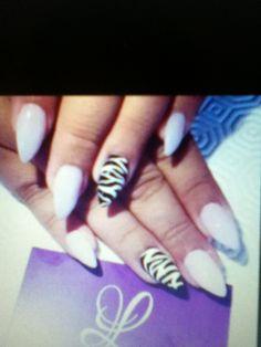 Short stiletto zebra and pink tips