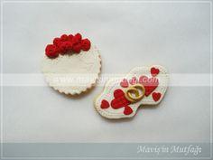 Güller,kalpler ve bir çift alyans...