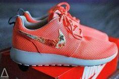 Nike shoes Nike roshe Nike Air Max Nike free run Nike USD. Nike Nike Nike love love love~~~want want want! Nike Shoes For Sale, Nike Shoes Cheap, Nike Free Shoes, Nike Running, Nike Free Run, Runs Nike, Zapatillas Nike Roshe, Nike Shox, Store Nike