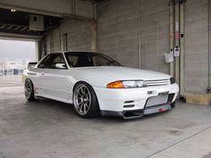 Nissan Skyline GTR R32  I like - http://extreme-modified.com/