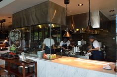 The design concept for the interiors of Ocha & Bella was the work of acclaimed local designer Willis Kusuma