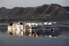 Udaipur lake palace by Adrian Whelan, via Flickr
