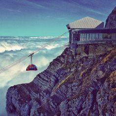 #pilatus#pilatusbahn#mountpilatus#pilatuskulm#bergstation#gondel#bergbahn#seilbahn#luftseilbahn#felsen#stone#switzerland#wu_switzerland#swissness#kissmyswiss#nebelmeer#fogy#fog#view#peak#mountains#hiking#hiking4fun#sky#bluebird#sun#switzerlandpictures#swissspot#autumn#wandern by lazutinchen