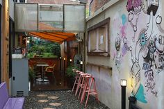 Cafe in Seoul tucked in alley way. Would be weird to eat here.