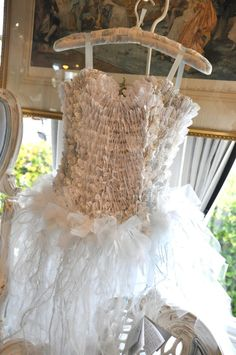 Eye Candy Creations is the creative life and style of Jennifer Hayslip. Paper Fashion, Fashion Art, Vintage Fashion, Little Dresses, Pretty Dresses, Flower Girl Dresses, Paper Clothes, Paper Dresses, Paper Art