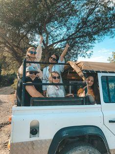 Ibiza im Oktober: So schön ist Ibiza in der Nebensaison - Jeep-Tour auf Ibiza Halloween Fotos, Blog, Halloween Night, Vacation Places, Tourism, Explore, Travel Inspiration, Blogging
