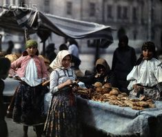 Beautiful Color Photos Capture Daily Life in Hungary in the Early 1930s ~ vintage everyday