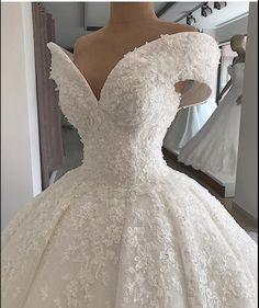 Off-the-shoulder Elegant Ball-Gown Appliques Wedding Dresses Item Code: , Short Lace Wedding Dress, Chic Wedding Dresses, Applique Wedding Dress, Bridal Dresses, Wedding Gowns, Ball Dresses, Ball Gowns, Princess Wedding, The Dress