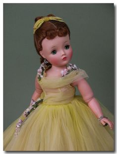 1959 Madame Alexander Cissy doll in elegant yellow tulle gown, all original
