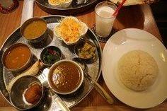 一寸豪華なカレーランチネパール定食 福岡市中央区六本松にあるチチルシシリ カレーがつついてチキンティッカに晒らどラッシーがつくよ 辛さも選べライスカランを選べる1430円込は良心的だよ たまには一寸奮発して自分へご褒美や素敵な仲間との昼ご飯に http://ift.tt/1L9vpc8 #カレー #本格派カレー #インド料理 #六本松 #福岡市 #チチルシシリ tags[福岡県]