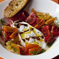 Barefoot Contessa - Recipes - Tomatoes & Burrata with Garlic Toasts ~~~This looks and sounds fabulous!~~~~Now I need to find some burrata cheese! Appetizer Recipes, Salad Recipes, Appetizers, Cheese Recipes, Food Network Recipes, Cooking Recipes, Healthy Recipes, Yummy Recipes, Recipies