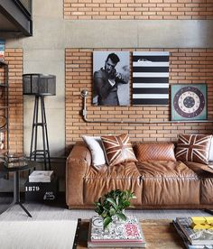 Interior Design and Home Decor Ideas Urban House, Home Living Room, Living Room Decor, Loft Stil, Interior Design Boards, Brick Interior, Interior Walls, Industrial Interior Design, Industrial Style