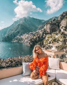 Planejando o Guarda-Roupa de Verão. Guarda lake in Europe. Luxury holiday travel in Europe. Sundress and travel in style Places To Travel, Travel Destinations, Places To Go, Adventure Awaits, Adventure Travel, Tumblr Ocean, Foto Casual, Travel Goals, Travel Tips