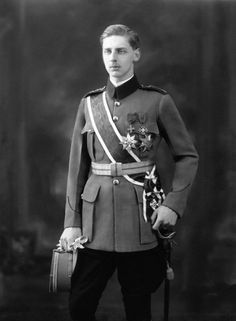 Prince Nicholas of Romania (August 3 9 was the second son of King Ferdinand of Romania and Marie of Edinburgh. He is married twice. Queen Victoria Albert, Romanian Royal Family, Court Dresses, Princess Alexandra, Imperial Russia, Ferdinand, Eastern Europe, World War I, Funeral